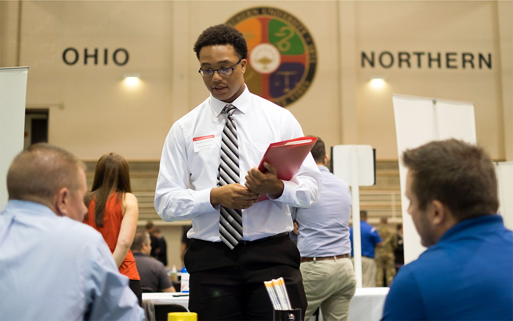 ONU student interviewing during Polar Career Fair